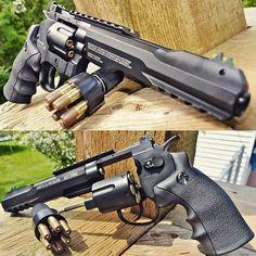 If I ever get a revolver, it will be one like this. Airsoft Guns, Weapons Guns, Guns And Ammo, Armas Ninja, Concept Weapons, Custom Guns, Military Guns, Cool Guns, Zombies
