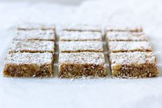 Deze dadelwalnotenreepjes zijn gebaseerd op een heerlijke bar van Stach. Lactosvrij én glutenvrij!