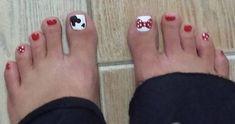 Disney Pedicure Toenails Mickey Mouse Toe Nails Ideas For 2019 Disney Toe Nails, Disney Toes, Disneyland Nails, Disney Nail Designs, Toe Nail Designs, Fingernail Designs, Nails Design, Pedicure Nails, Fun Nails