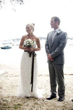 KAREN WILLIS HOLMES - Real Bride Kate in 'Daisy' gown     Photography by Imajica Photography