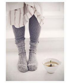 Cozy socks + cup of hot tea Winter Looks, Grey Socks, Warm Socks, Get Happy, Vogue, Knitting Socks, Knit Socks, Woolen Socks, Hand Knitting