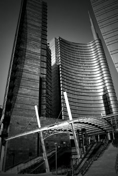 Unicredit Tower by César Pelli #lombardia #lombardy #landscape #italy #italia #alps #mountains #milan #milano #navigli #expo2015 #mediolanum #teatro_scala #fiera_milano #montenapoleone #fuorisalone #castello_sforzesco #cenacolo #leonardo #unesco #meazza #stazione_centrale #triennale #brera #crocetta #ripamonti #ticinese #magenta #cadorna #cenisio #buenos_aires #garibaldi #porta_venezia #guastalla #porta_romana #tortona #moscova