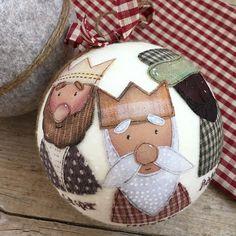 Christmas Toys, Christmas Balls, Christmas Holidays, Merry Christmas, Christmas Decorations, Christmas Ornaments, Holiday Crafts, Holiday Decor, Holy Night