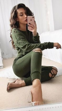 cool+khaki+set+++heels