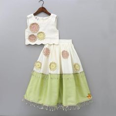 Kids Party Wear Dresses, Baby Girl Party Dresses, Little Girl Dresses, Girls Frock Design, Baby Dress Design, Baby Frock Pattern, Kids Blouse Designs, Baby Girl Fashion, Kids Fashion