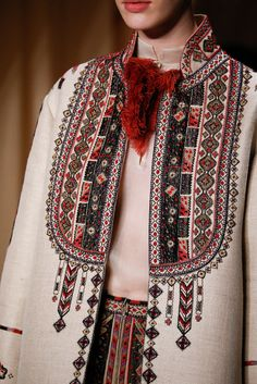"Stylefluid Trendz: Valentino Spring Summer 2015 Couture : ""Love Conquers all"" : Paris Haute Couture Fashion Week Couture Mode, Couture Fashion, Runway Fashion, Womens Fashion, Couture 2015, Fashion Spring, Spring Couture, Ethnic Fashion, High Fashion"