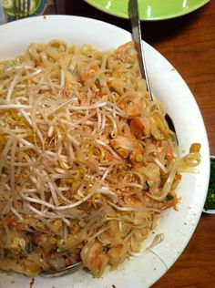 another Pad Thai recipe...couldn't help it :)