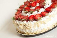 Kuchnia Bazylii: Tort truskawkowy