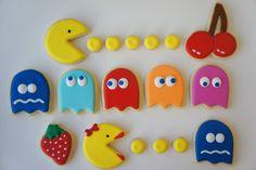 Pac-Man or Pakku-man and Ms. Pac-Man sugar cookies, by Askanam Man Cookies, Cookies For Kids, Iced Cookies, Cute Cookies, Royal Icing Cookies, Cookies Et Biscuits, Cupcake Cookies, Sugar Cookies, Sugar Cake