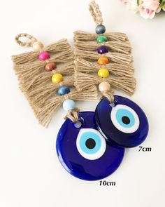 Evil Eye Art, Greek Evil Eye, Macrame Plant Hangers, Macrame Patterns, Eye Shapes, Handmade Beads, Decoration, Wallet, Macrame Projects