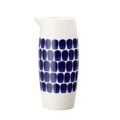 Tuokio kaadin L - Heikki Orvolan upea muotoilu, klassikko. Vintage Cups, Shabby Vintage, Vintage Pottery, Scandinavian Kitchen, Scandinavian Design, Indigo, Ceramic Pitcher, Nordic Design, Marimekko