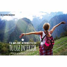 """Desde lo alto de Machu Picchu te comparto este mantra: """"Tu mejor atributo es tu Luz Interior""""  Repítetelo constantemente  #bellezainterior#buenasvibras#cambiandoelmundo#bienestarholistico#amorpropio#saludableMenteholistica"""