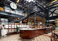 Diners are transported to mid Bombay at the Dishoom restaurant in a former railway transit shed close to King's Cross station in London. Bar Interior Design, Restaurant Interior Design, Interior Photo, Interior Design Inspiration, Interior Ideas, Industrial House, Industrial Style, Industrial Bars, Vintage Industrial