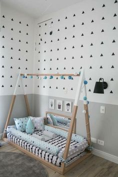 Floor bed Montessori grey geometric