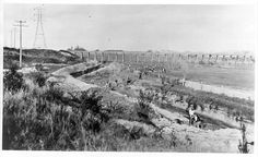 MP Gardiners Creek at Black Bridge showing workers excavating the present course of Gardiners Creek near East Malvern railway station, Melbourne Suburbs, Historic Houses, Historical Photos, Old Photos, Bridge, The Past, Victoria, History, Box