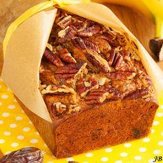 Bananen-speltbrood (zonder suiker) met dadels en pecannoten