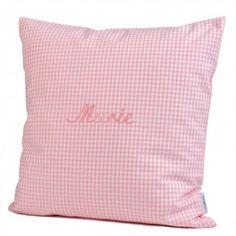 Personalisiertes Kissen von Lakaro in rosa Vichykaro