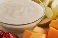 Fruit yogurt dip served with fresh strawberries, cantaloupe, pear and banana. Diabetic Recipes, Cooking Recipes, Healthy Recipes, Budget Recipes, Fish Recipes, Appetizer Recipes, Appetizers, No Cook Meals, Kids Meals