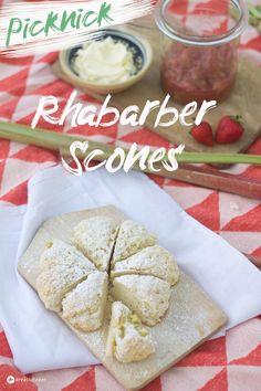Rhabarber Scones mit Rhabarber Kompott, Picknick, picnic, bread, Brötchen, Frühlingssnacks