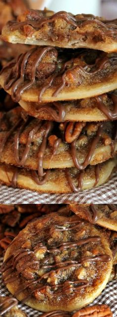 These Pecan Pie Cookies from Spend with Pennies are so yummy and make the perfect fall treat! They are quick and easy to make and come out of the oven smelling delicious! Easy Fall Treats Recipes, Just Desserts, Fall Cookie Recipes, Thanksgiving Desserts Easy, Thanksgiving Cookies, Pecan Recipes, Thanksgiving Meal, Party Desserts, Top Recipes