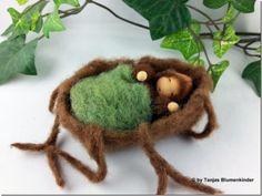 Jahreszeitentisch - Wurzelbaby im Wurzelbett für den Jahreszeitentisch - ein Designerstück von Tanjas-Blumenkinder bei DaWanda