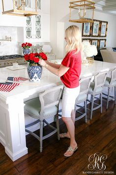 how to decorate for The Fourth of July - What to Wear to Celebrate in Style. red, white an blue!