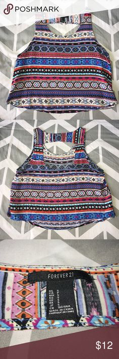 Adorable Forever 21 summer crop top This is an adorable Forever 21 crop top with aztec print and an open back! Perfect for summer! I ❤️ offers! Forever 21 Tops Crop Tops
