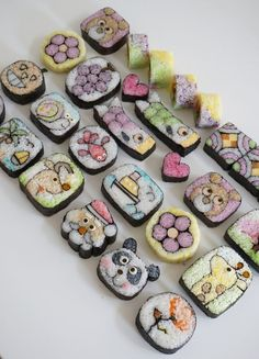 Incredible array of various deco sushi art designs Cute Food, Yummy Food, Sushi Cake, Sushi Food, Sushi Party, Food Food, Bento Recipes, Food Platters, Sushi Rolls