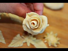 БЕЛОЕ ТЕСТО ДЛЯ КАРАВАЯ! УКРАШЕНИЕ КАРАВАЯ!ТОПЕРЫ! - YouTube Cooking Bread, Bread Baking, Bread Art, Braided Bread, Snack Recipes, Cooking Recipes, Pastry Art, Party Finger Foods, Pie Cake