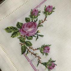 Cross Stitch Bookmarks, Cross Stitch Heart, Cross Stitch Borders, Cross Stitch Flowers, Cross Stitch Designs, Cross Stitch Patterns, Embroidery Fashion, Crewel Embroidery, Embroidery Patterns
