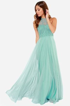 I have no where to wear this but I'd buy it just to have it! I'd find a reason to wear it! It's so BEAUTIFUL!!!