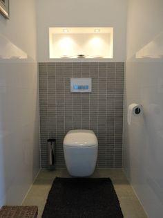 badkamer | toilet op de bg Door ellenina