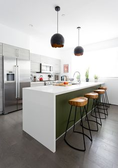 Cool Counter - Pierce Brown's Bachelor Pad Brings The Drama To A Cali Cool Space - Photos