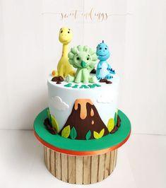 Three little Dino cake by Boys 1st Birthday Cake, Dinosaur Birthday Cakes, Birthday Cake With Flowers, Birday Cake, Cupcake Cakes, Dinasour Cake, Dinasour Party, Dino Cake, Muesli
