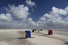 """Klaus Fröhlich - """"Strandkörbe auf Amrun"""".  Hier gehts zur Gesamtübersicht: http://pxm.li/6ryCDE  #Amrun #Foto #Sommer #Strand"""