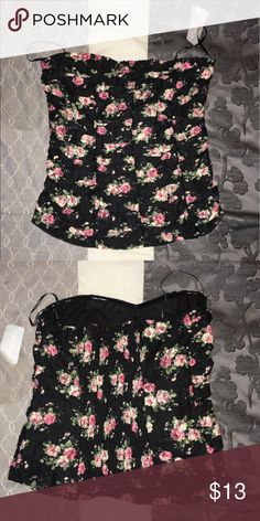 Forever 21 floral lace  tube top New forever 21 lace, floral stretchy tube top. Never worn. Forever 21 Tops