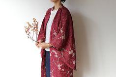 Kimono Haori 着物 羽織---------- This is Japanese Kimono jacket, Haori. You can wear it over Kimono or coordinate with your western clothes. It