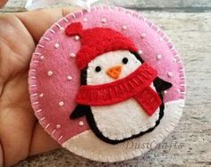 Felt christmas ornament – Penguin snowing snowglobe ornament/ wool felt This listing is for 1 ornament Size about 9 cm Material wool felt or wool blend felt Color options: – Pistachio (… Felt Christmas Decorations, Felt Christmas Ornaments, Christmas Sewing, Handmade Christmas, Christmas Music, Christmas Movies, Christmas Diy, Merry Christmas, Felt Crafts
