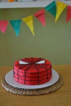 A rapariga do blog ao lado: Um bolo com cara de Homem-Aranha