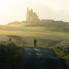 @thisisjeremyenns Forget sunsets, @evanthomasdriedger is all about riding off into the sunrise. This one is at Mullaghmore Castle in Ireland #castles #sligo #wildatlanticway #sheeps #sunriselover #loveireland #irland #irlanda #irlande