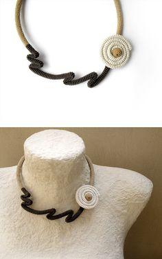 Abstract Dandelion Choker Necklace Crochet Tube von vanessahandmade