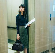Office Fashion, Business Fashion, Asian Woman, Asian Girl, Beauty Shots, Japanese Outfits, Work Wardrobe, Office Wear, Smart Casual