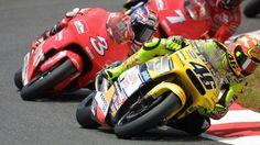Quando Valentino Rossi si comportò in maniera diversa dopo il gesto scorretto di Max Biaggi a Suzuka