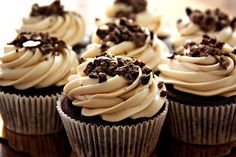 Chocolate Espresso Cupcakes with Kahlua Cream Cheese Frosting. did i mention I love cupcakes. Mojito Cupcakes, Yummy Cupcakes, Kahlua Cupcakes, Baking Cupcakes, Gourmet Cupcakes, Cheesecake Cupcakes, Cupcake Recipes, Cupcake Cakes, Dessert Recipes