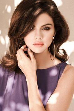 She is so beautiful Selena Gomz, Selena Gomez Album, Selena Gomez Photoshoot, Estilo Selena Gomez, Selena And Taylor, Selena Gomez Cute, Selena Gomez Outfits, Selena Gomez Pictures, Selena Gomez Style