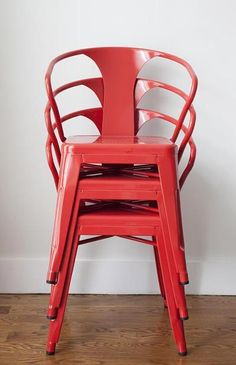 Stackable Chairs - 25 Life Hacks for Small Apartments | Complex