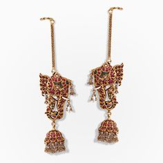 A pair of magnificent elephant-motif earrings Antic Jewellery, India Jewelry, Gold Jewellery Design, Temple Jewellery, Jewelry Shop, Gold Jewelry, Fashion Jewelry, Designer Jewelry, Gold Bangles