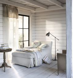 The Little Corner: two-toned linen curtain