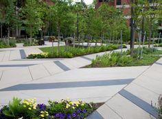 Роскошный ландшафтный дизайн на Levinson Plaza в Бостоне