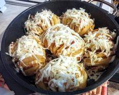 Fűszeres-sajtos töltött burgonya recept lépés 7 foto Cabbage, Vegetables, Food, Essen, Cabbages, Vegetable Recipes, Meals, Yemek, Brussels Sprouts